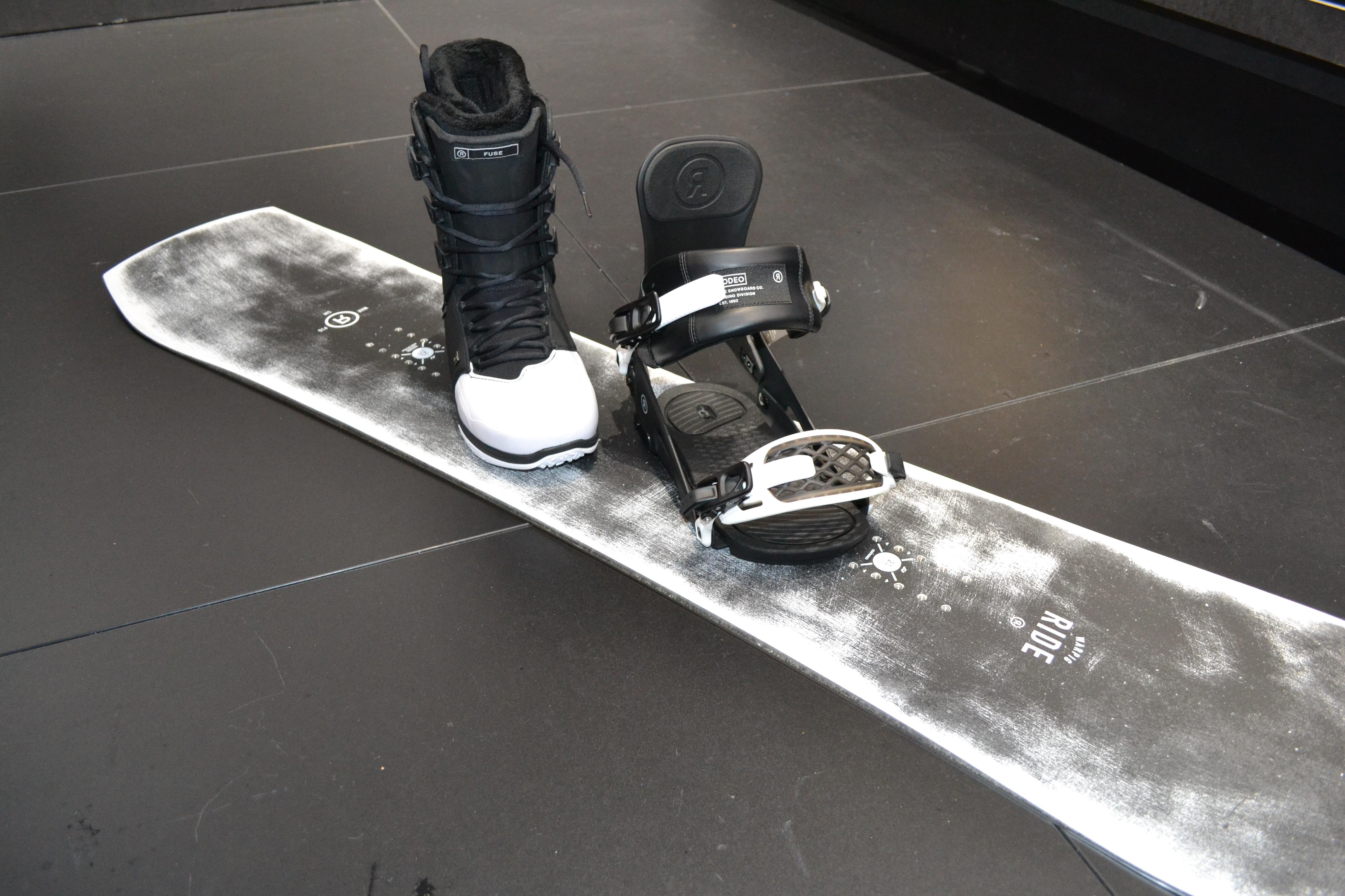 War Pig Snowboard, Rodeo Bindung und Fuse Boot 17/18