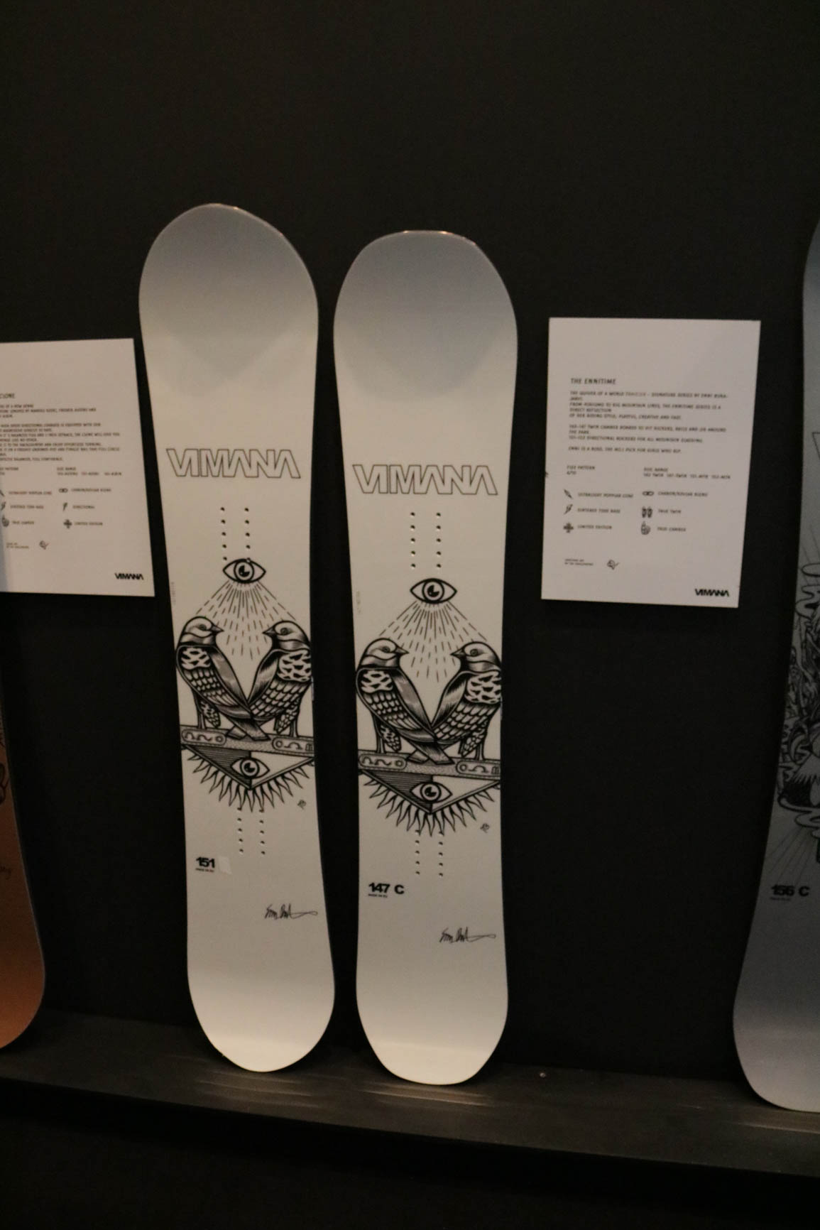 Vimana Snowboards 18/19 (von links nach rechts): The Ennitime (Directional), The Ennitime (True Twin)