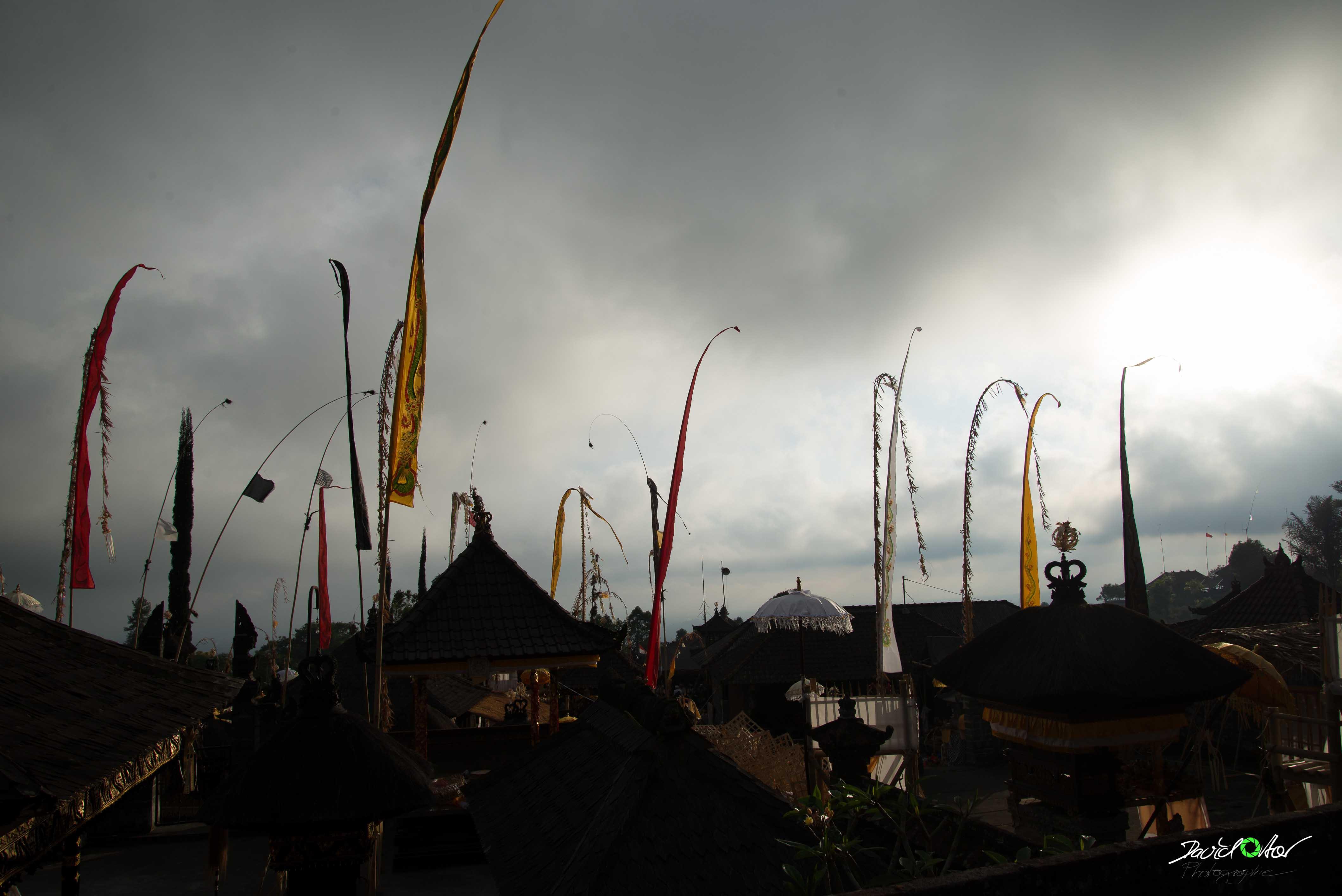 Dächer von Besakih