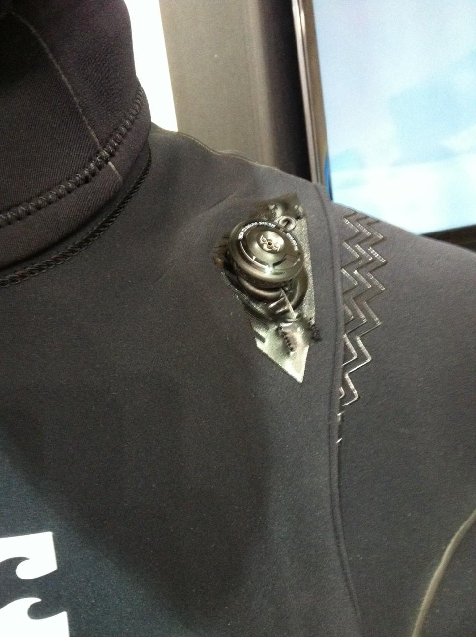 Billabong Furnace Carbon Wetsuit. Der erste zip-lose Wetsuit mit BOA System
