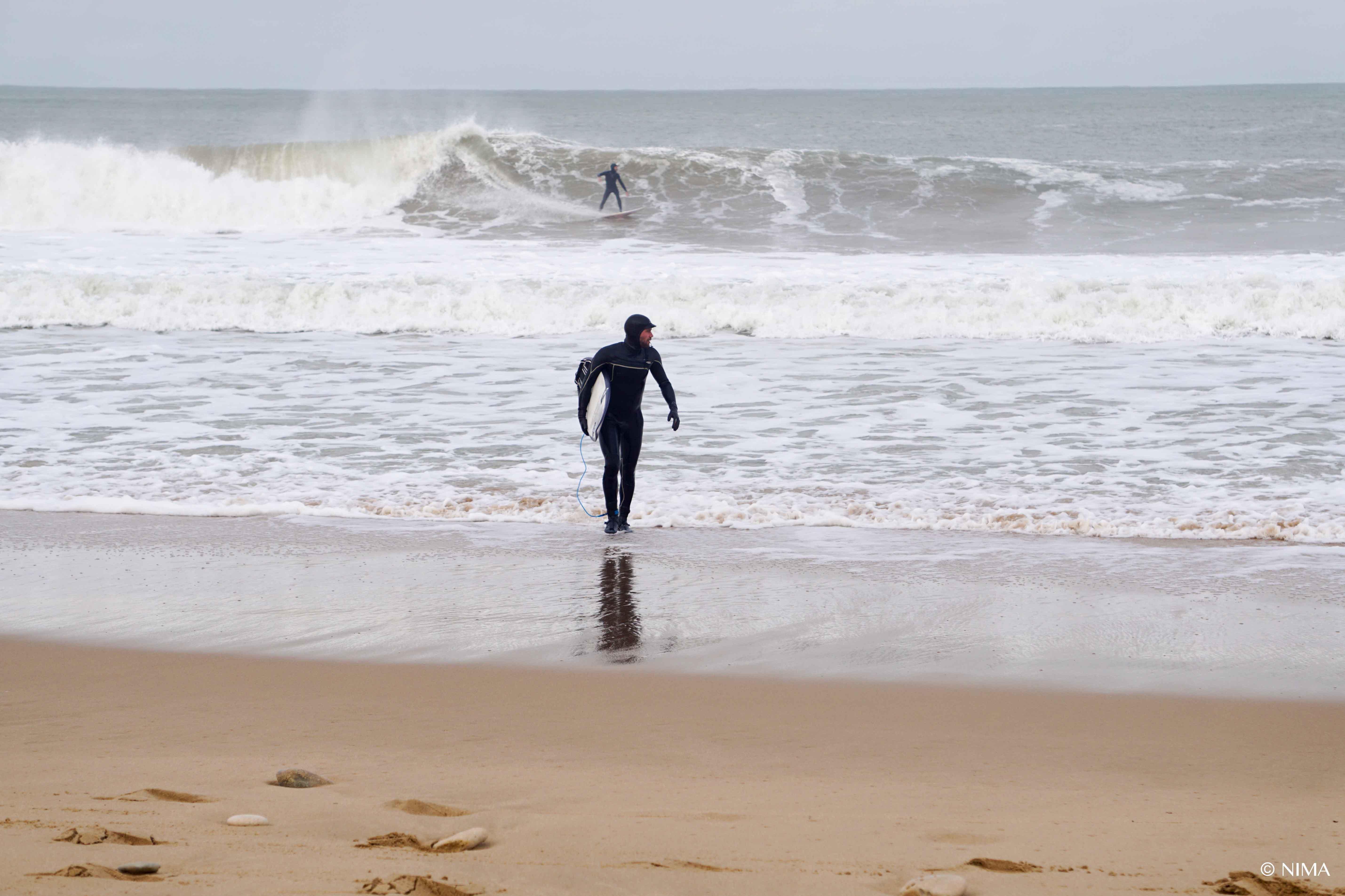 Shorebreakings